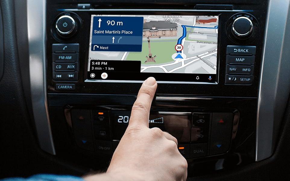 Autoradio GPS avec Bluetooth